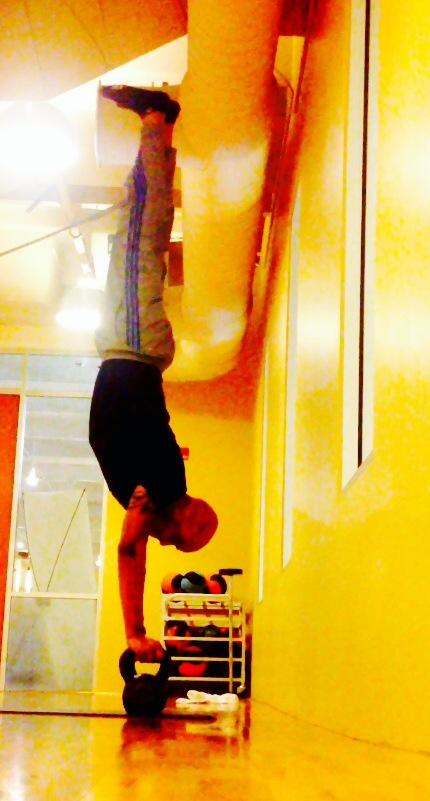 SeanThompson_handstand